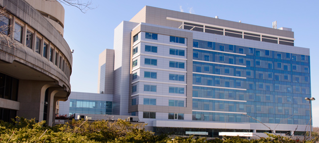 Patient Tower and UConn Health entrance