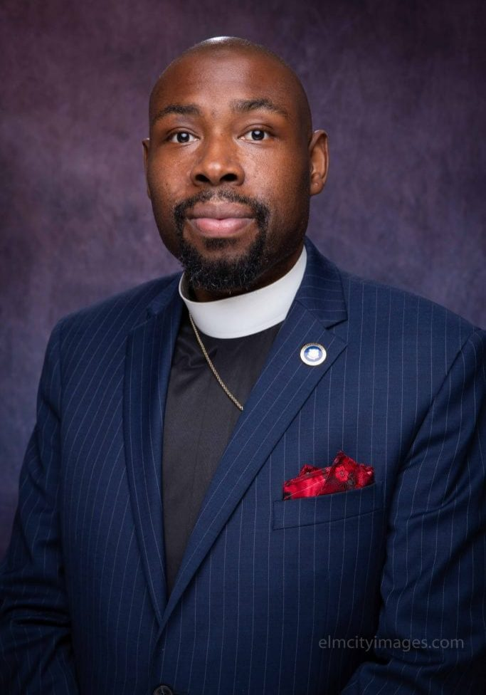 Pastor Steele headshot