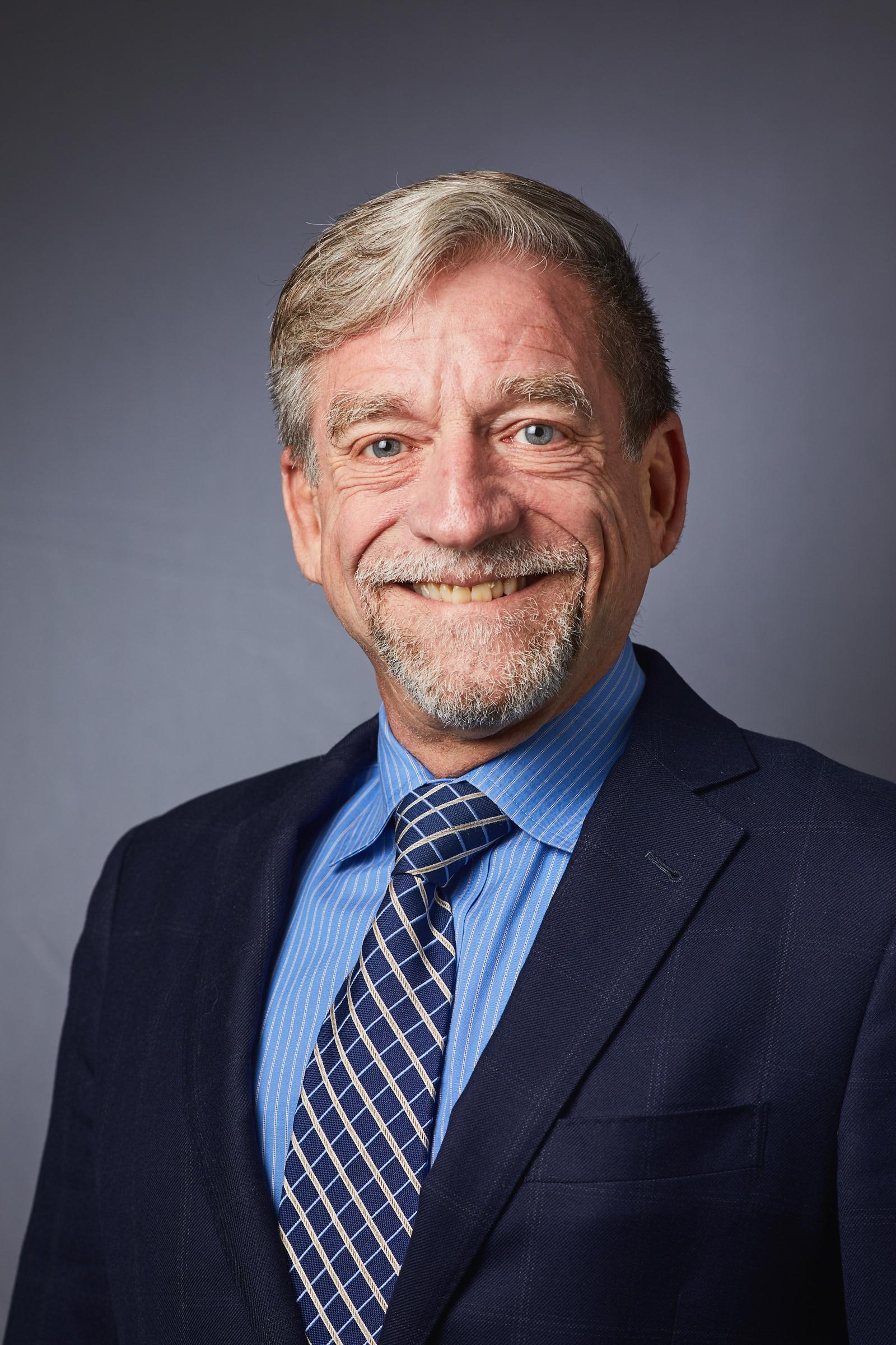 Robert D Kerns, PhD