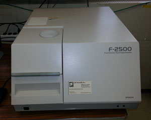 Hitachi F-2500 Fluorescence Spectrophotometer